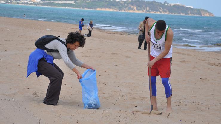 Tunisia-la-marsa-rifiuti-1